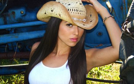 Jessica Lynn: the New Woman in Country