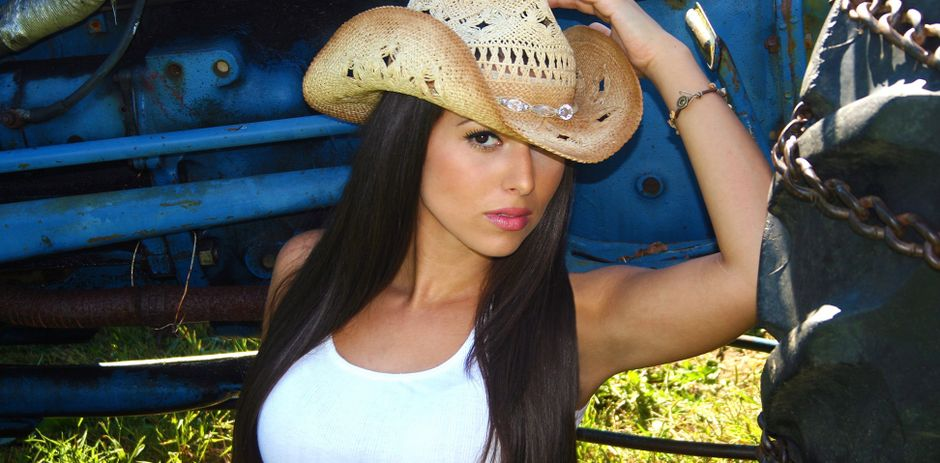 413e72136 Jessica Lynn: the New Woman in Country