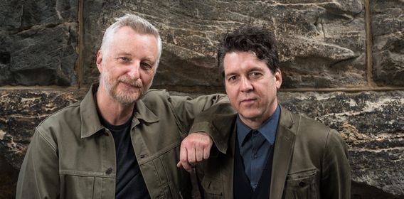 Billy Bragg & Joe Henry: Shine A Light