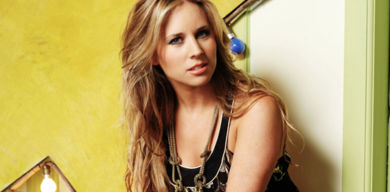 Lucie Silvas: Skipping the Bandwagons